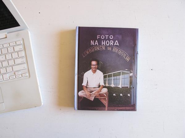 Foto instantánea. Recuerdo de Brasilia (Snapshot: Souvenir of Brasilia) © Joaquim Paiva